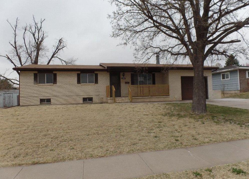1303 11th Ave, Dodge City KS Foreclosure Property