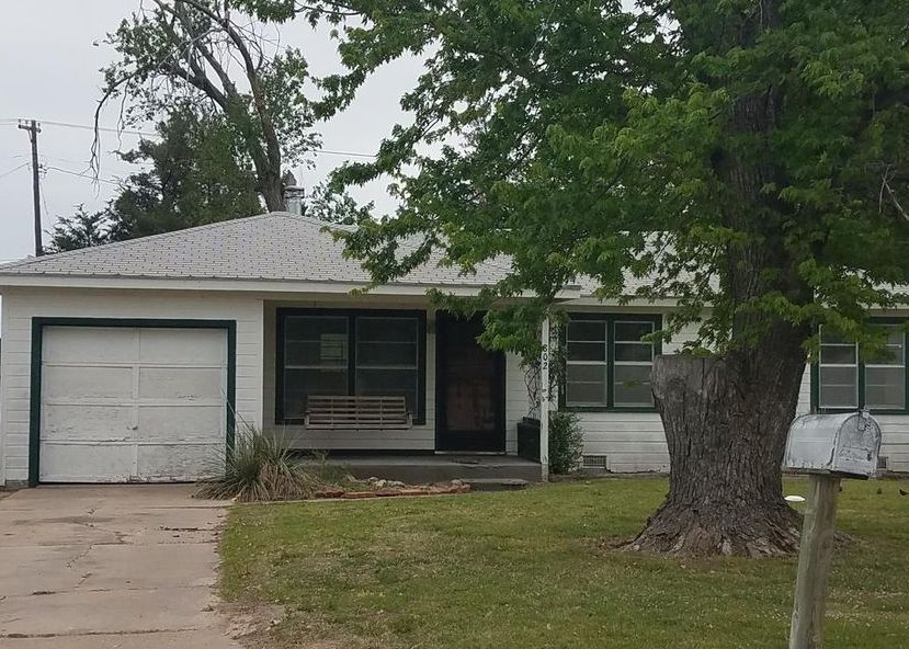 802 Minneola Rd, Dodge City KS Foreclosure Property