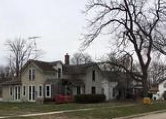 206 1st Ave N, State Center IA Foreclosure Property