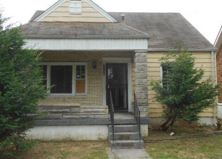 2114 Algonquin Pkwy, Louisville KY Foreclosure Property