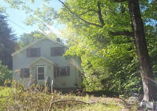 309 Maple St, Newport NH Foreclosure Property