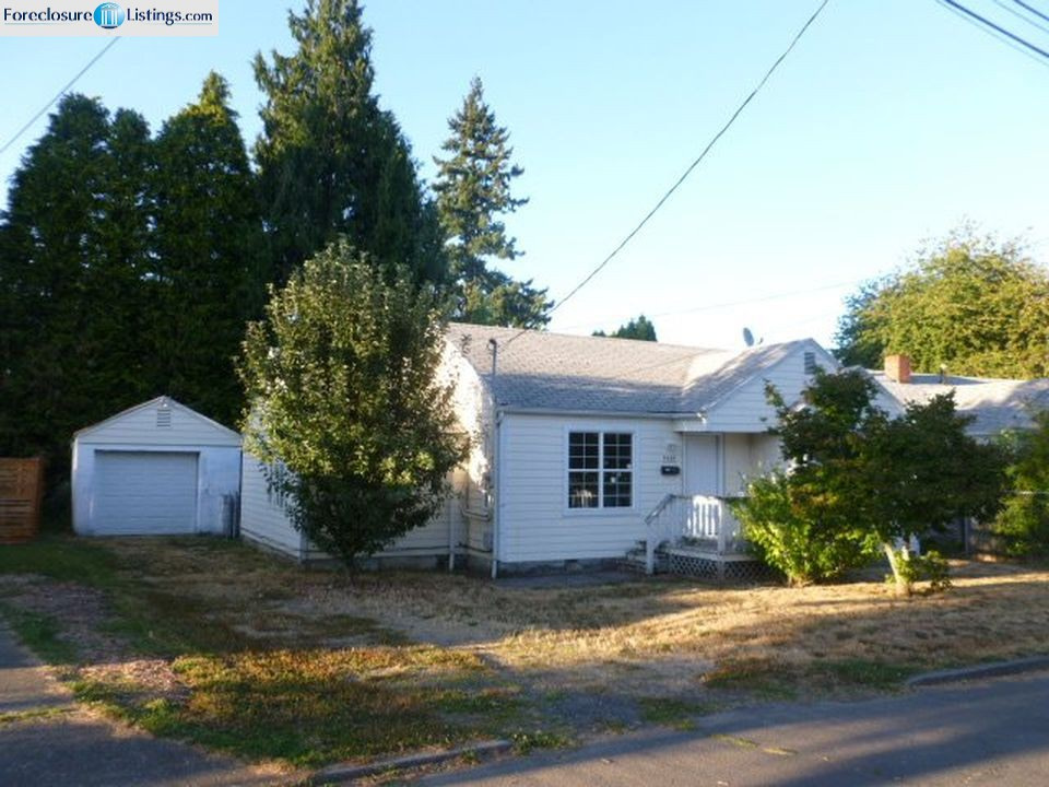 9449 N Chicago Ave, Portland OR Foreclosure Property