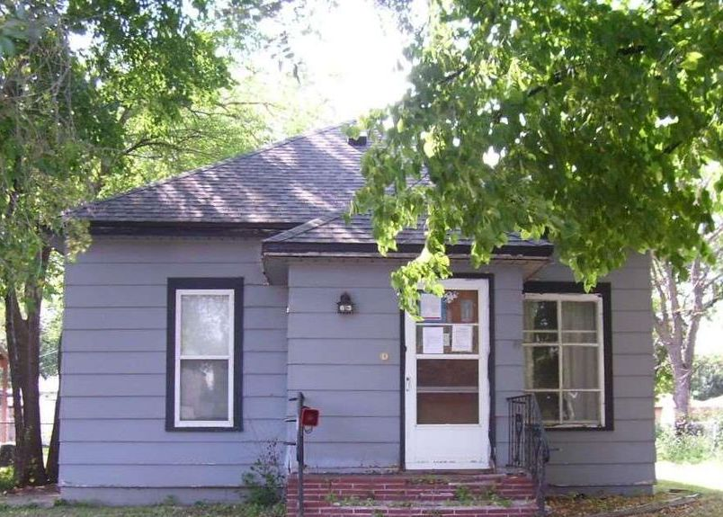 613 S Montana St, Mitchell SD Foreclosure Property