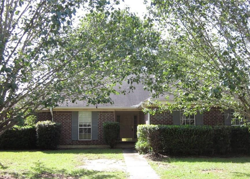 1150 Colonial Hills Dr, Mobile AL Foreclosure Property