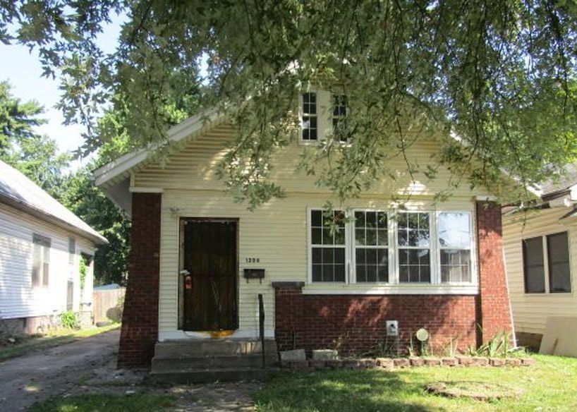 1206 E Iowa St, Evansville IN Foreclosure Property