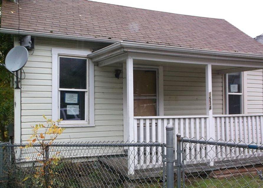 1534 Se Main St, Roseburg OR Foreclosure Property