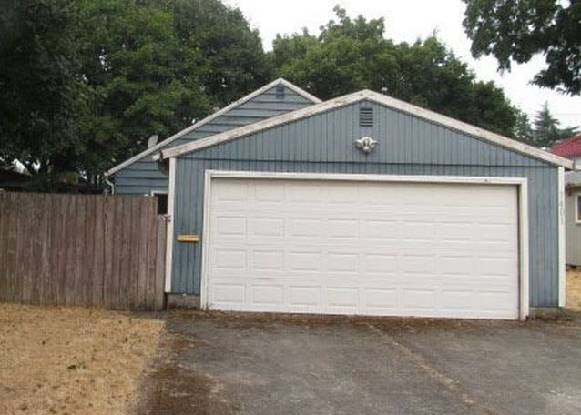 7401 Se 83rd Ave, Portland OR Foreclosure Property