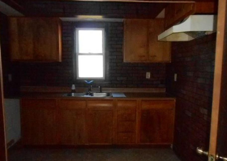 612 E Columbia St, Evansville IN Foreclosure Property