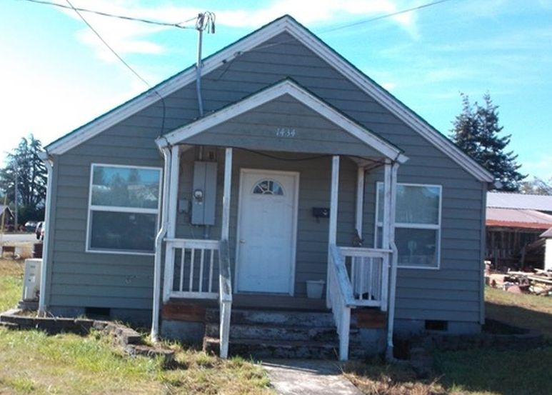 1434 Maryland Ave, Myrtle Point OR Foreclosure Property