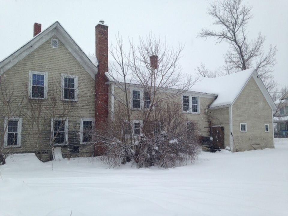 38 Pleasant St, Colebrook NH Foreclosure Property