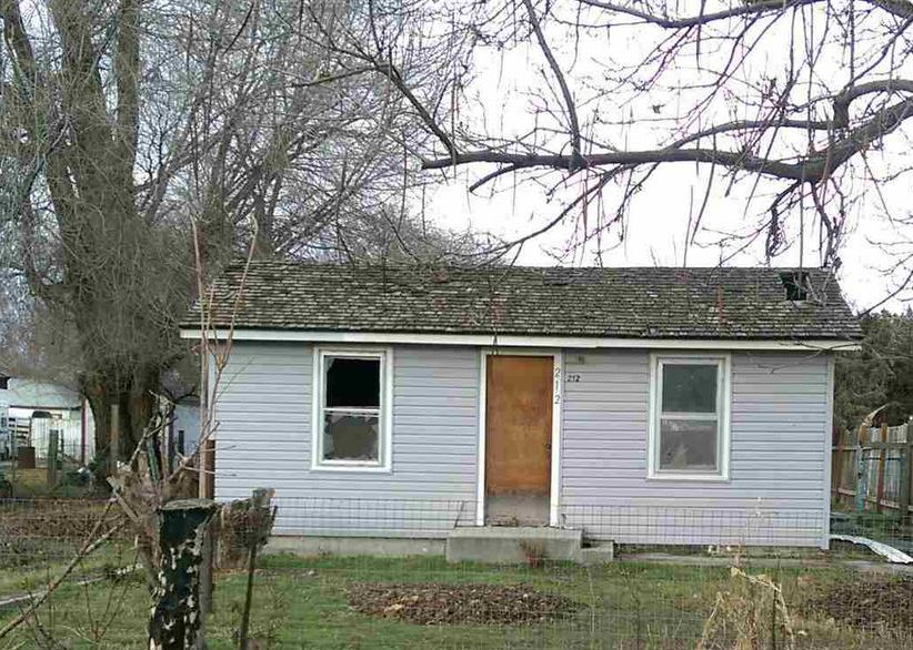 212 W Oregon Ave, Homedale ID Foreclosure Property