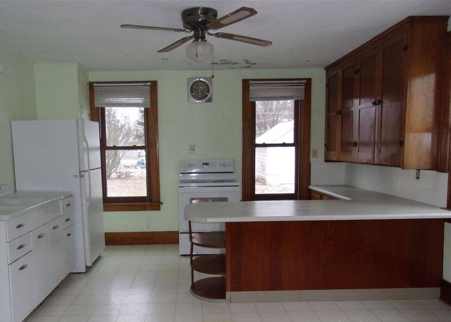 222 Main St, Arlington WI Foreclosure Property