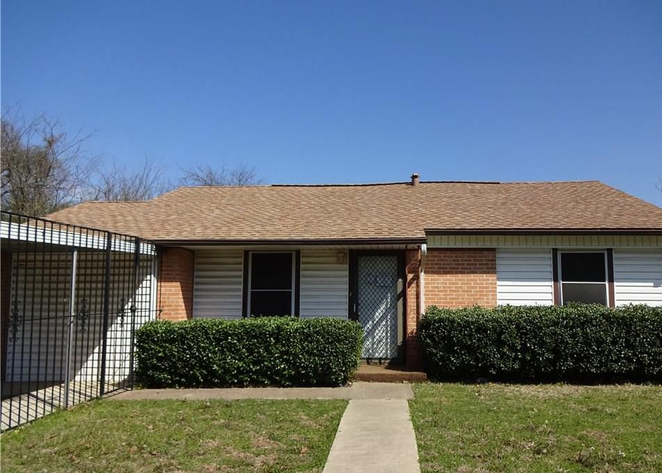 2710 S Llewellyn Ave, Dallas TX Foreclosure Property