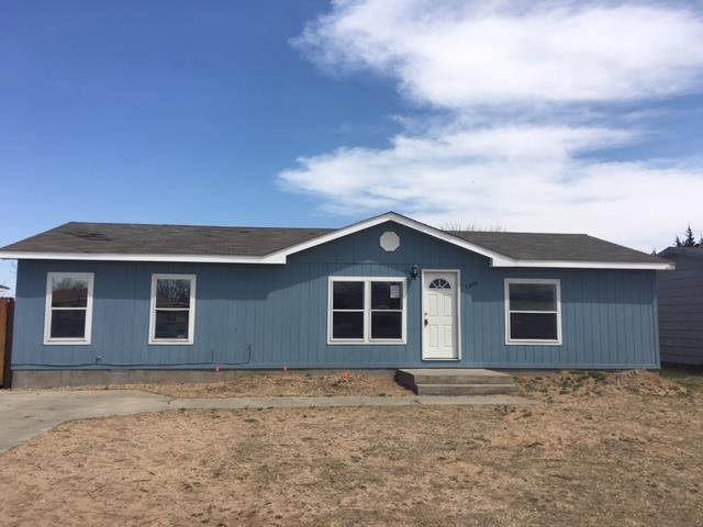 1306 Middle Rd, Dodge City KS Foreclosure Property