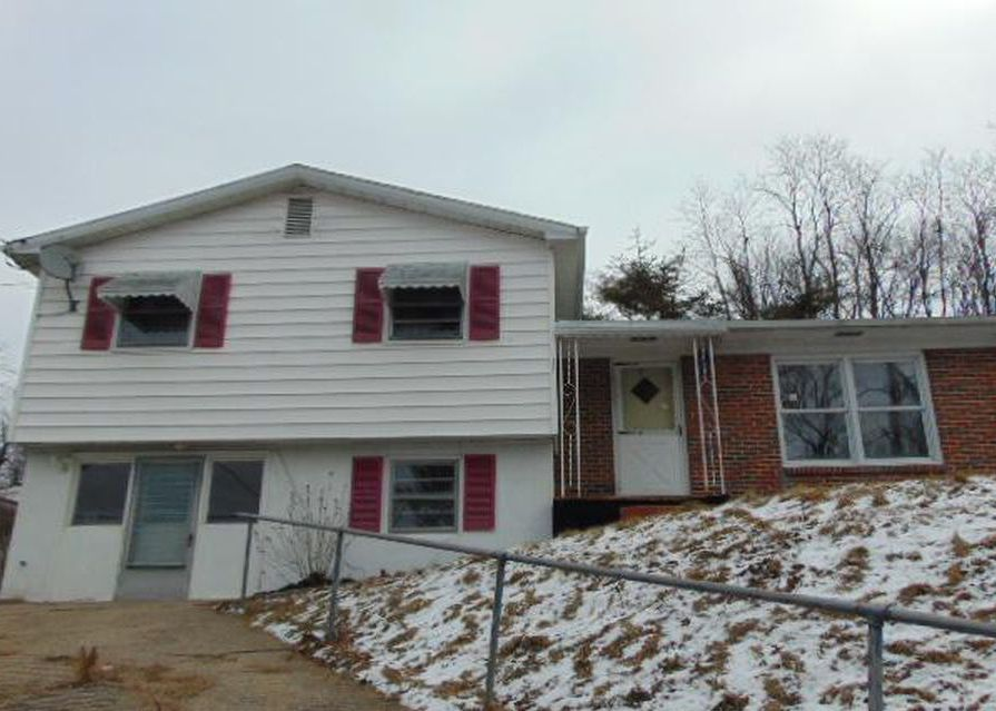 2211 Wythe Ave, Bluefield WV Foreclosure Property