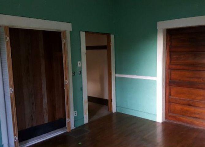 306 W Olive St, Bridgeport IL Foreclosure Property