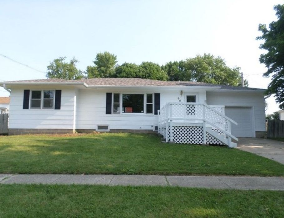 909 L Ave, Grundy Center IA Foreclosure Property