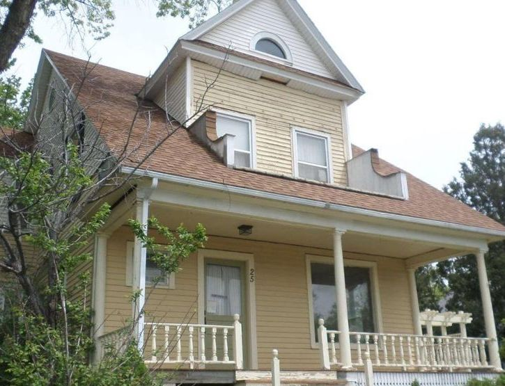 25 S Summit Ave, Newcastle WY Foreclosure Property