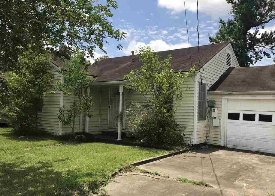 1915 Delaware St, Beaumont TX Foreclosure Property