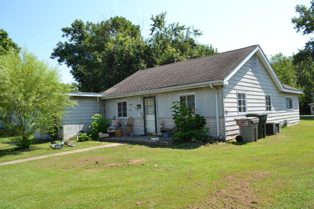 709 S Bentley St, Marion IL Foreclosure Property
