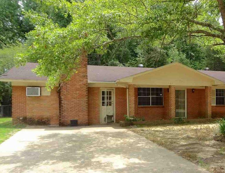 303 Greenbriar Dr, Vicksburg MS Foreclosure Property