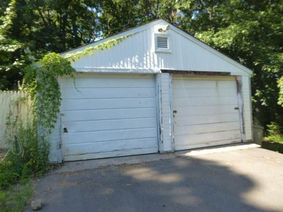 38 Topsfield Rd, Bristol CT Foreclosure Property