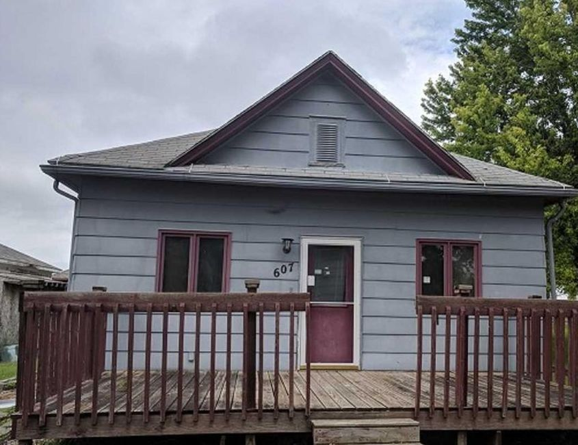 607 E Pleasant St, Elk Point SD Foreclosure Property