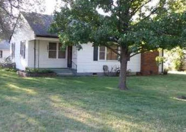 2001 Dearborn St, Augusta KS Foreclosure Property