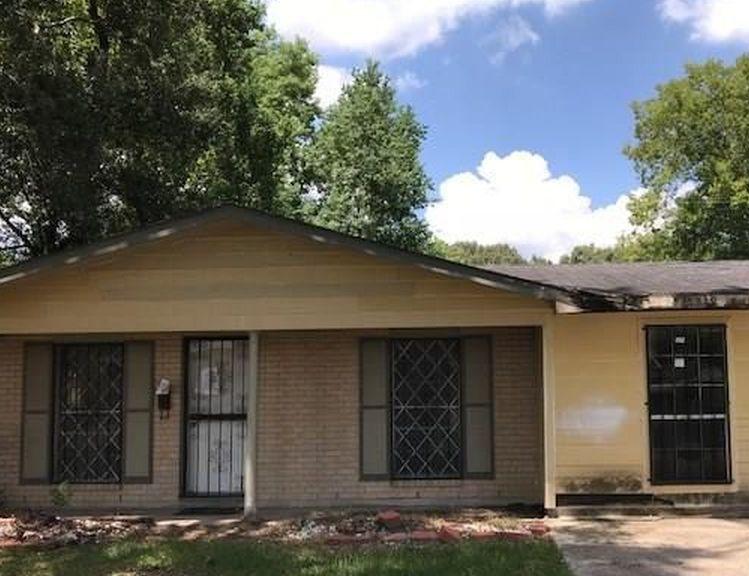 7249 Albany St, Baton Rouge LA Foreclosure Property