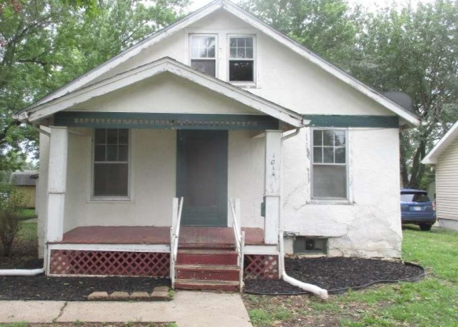 1014 W 6th St, Ottawa KS Foreclosure Property