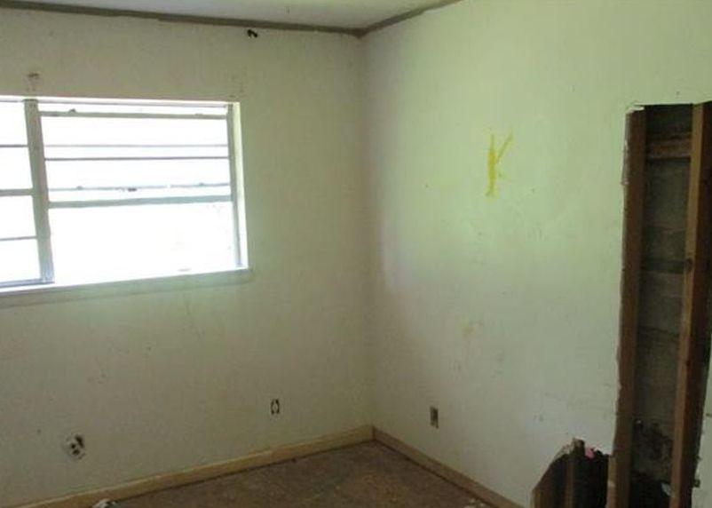 1107 Vesta Ave, Gladewater TX Foreclosure Property