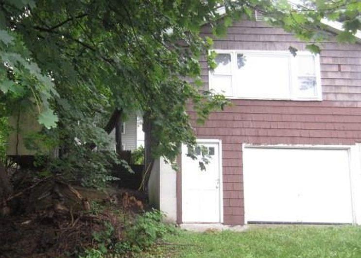 9 Mclean St, Vernon Rockville CT Foreclosure Property