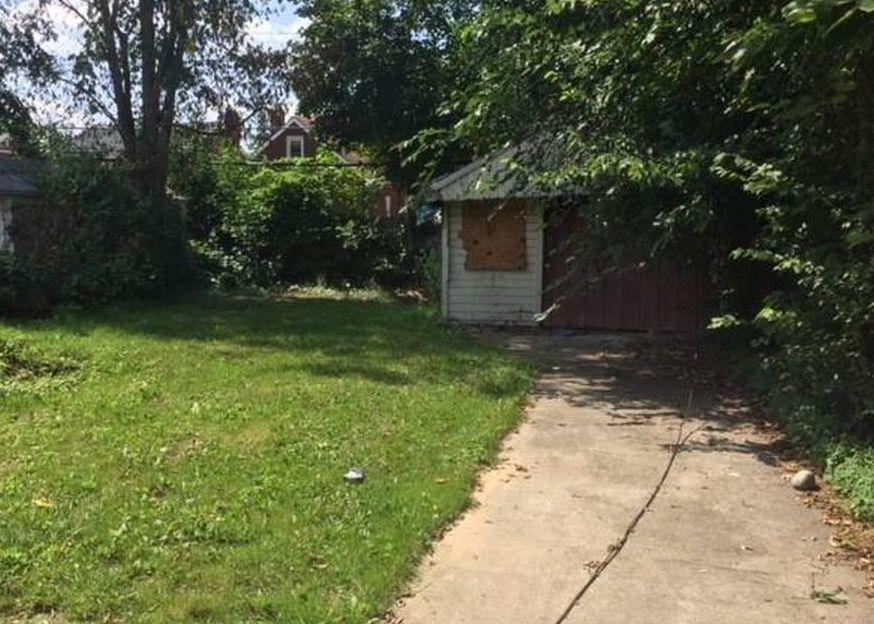 8259 Meyers Rd, Detroit MI Foreclosure Property