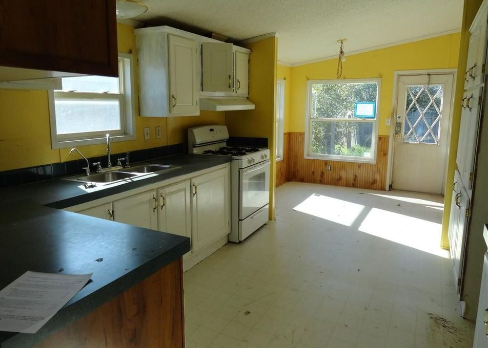 3415 W Fernwood St, Wichita KS Foreclosure Property