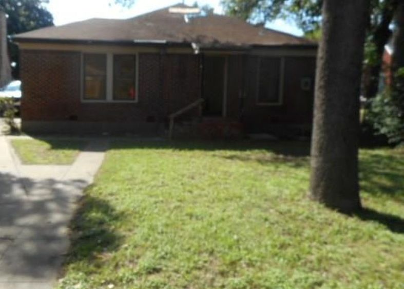 1210 N Riverside Dr, Fort Worth TX Foreclosure Property