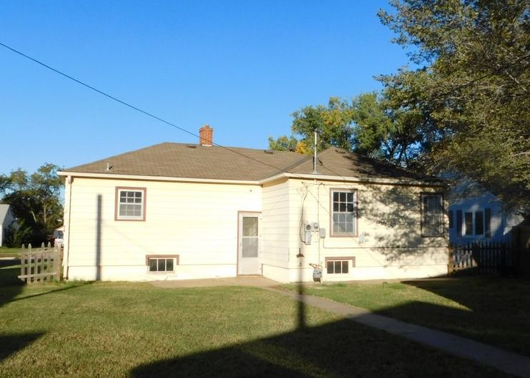 718 S Bell Ave, Lyons KS Foreclosure Property