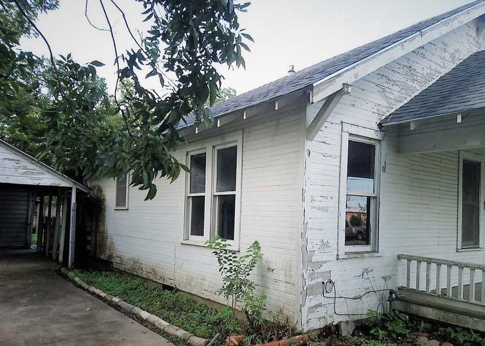 805 E Oak St, Victoria TX Foreclosure Property