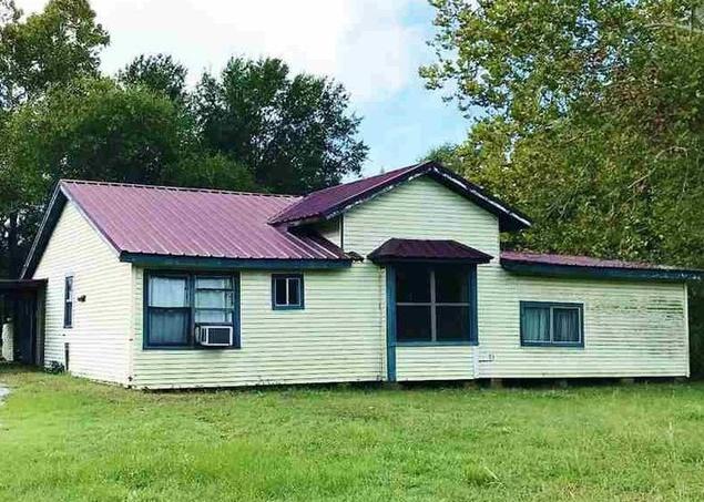 902 E 13th St, Mount Pleasant TX Foreclosure Property