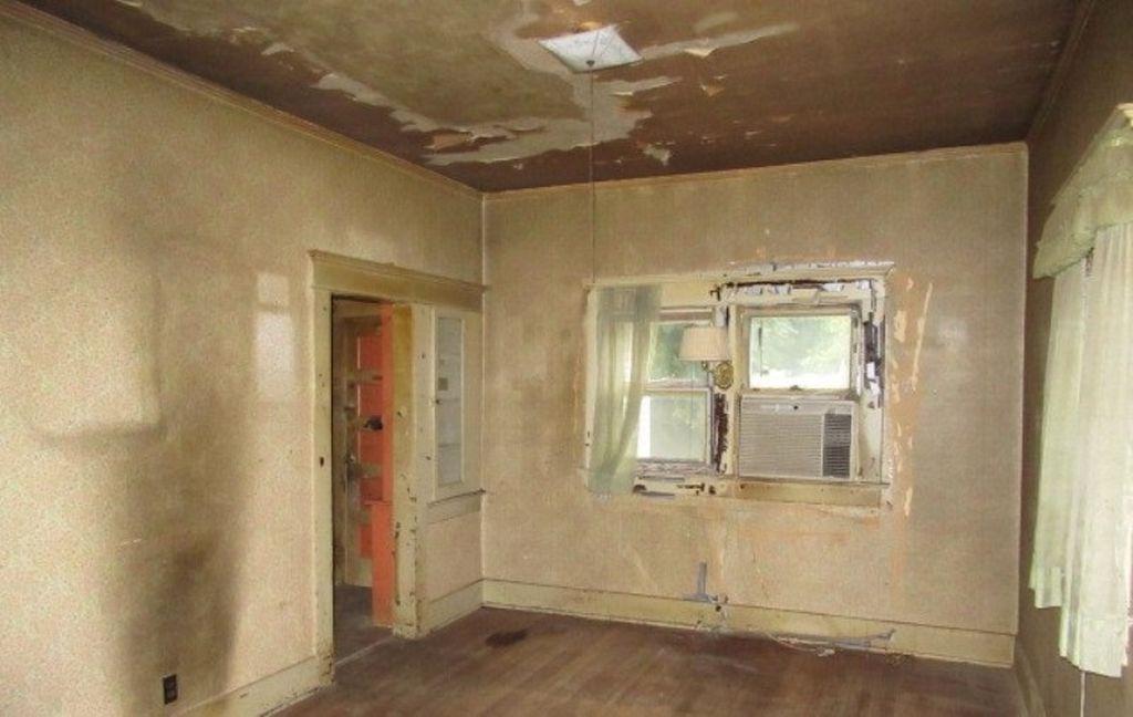 712 E Avenue A, Hutchinson KS Foreclosure Property