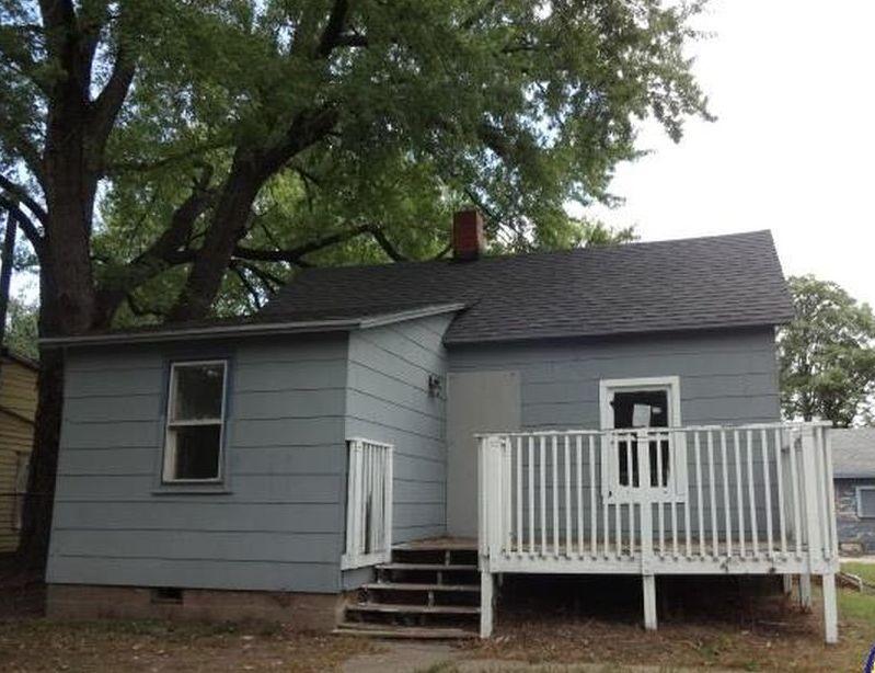 1400 Nw Logan St, Topeka KS Foreclosure Property