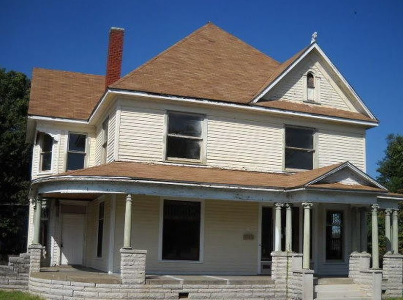 146 E 9th St, Baxter Springs KS Foreclosure Property