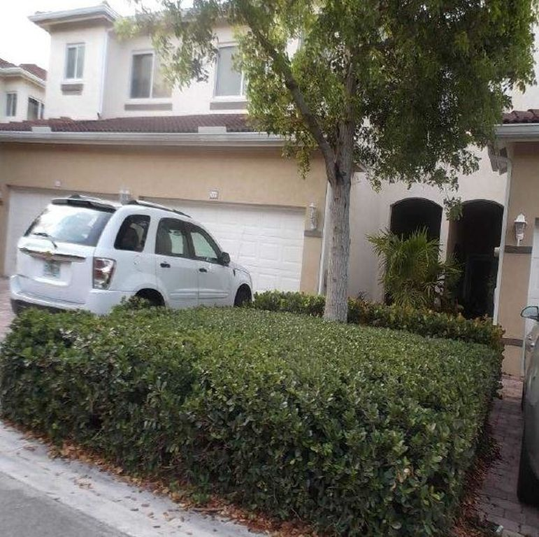 2449 Se 19th St, Homestead FL Foreclosure Property
