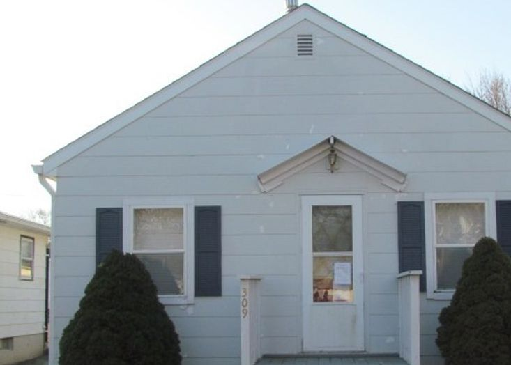 309 E Spring St, Manly IA Foreclosure Property