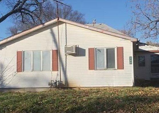 302 E Warren St, Williamsburg KS Foreclosure Property