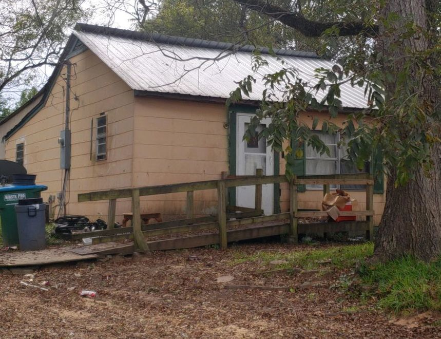 207 E Brown Ave, Newton MS Foreclosure Property