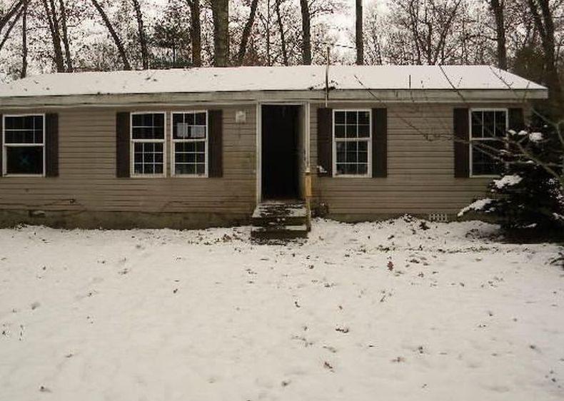 7499 S Forest Glen Rd, Rothbury MI Foreclosure Property