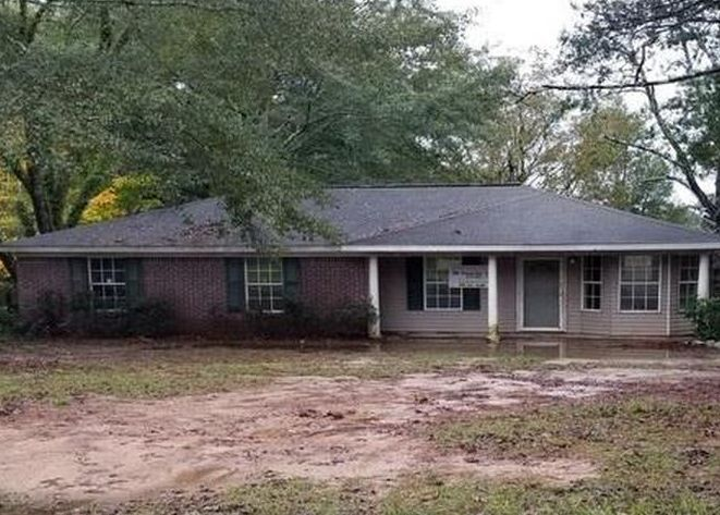 218 Magnolia Dr, Raleigh MS Foreclosure Property