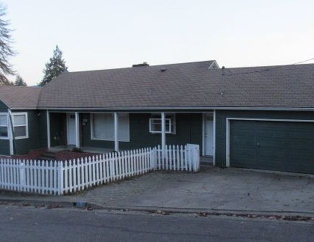 1135 Ne Beulah Dr, Roseburg OR Foreclosure Property