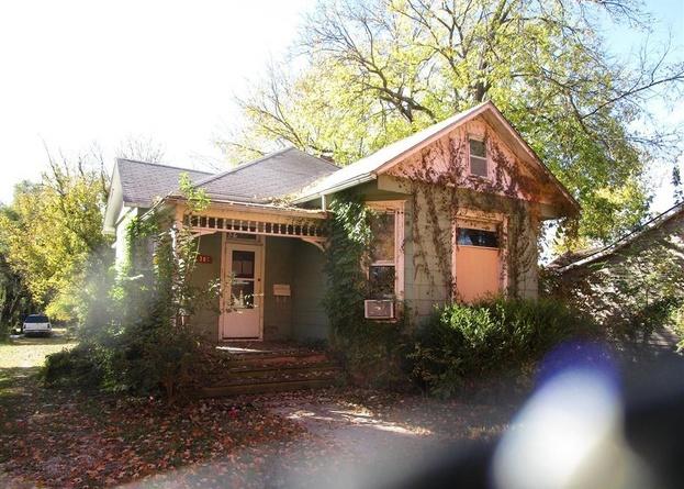 307 W Wea St, Paola KS Foreclosure Property