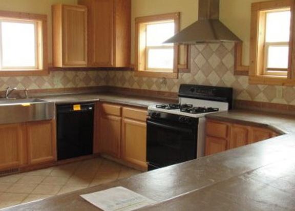 4644 Melody Ln, Roseburg OR Foreclosure Property